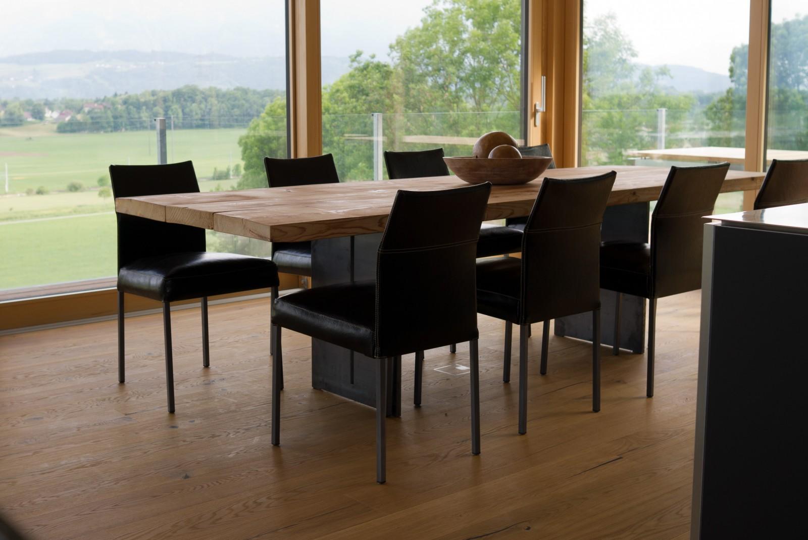 Tisch «Heidi» aus Altholz
