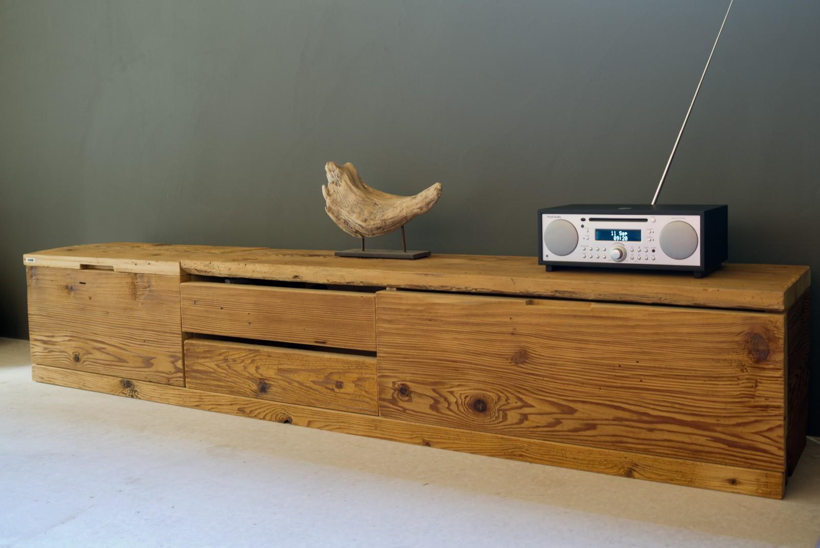 manum m bel aus altholz lowboard aus altholz. Black Bedroom Furniture Sets. Home Design Ideas