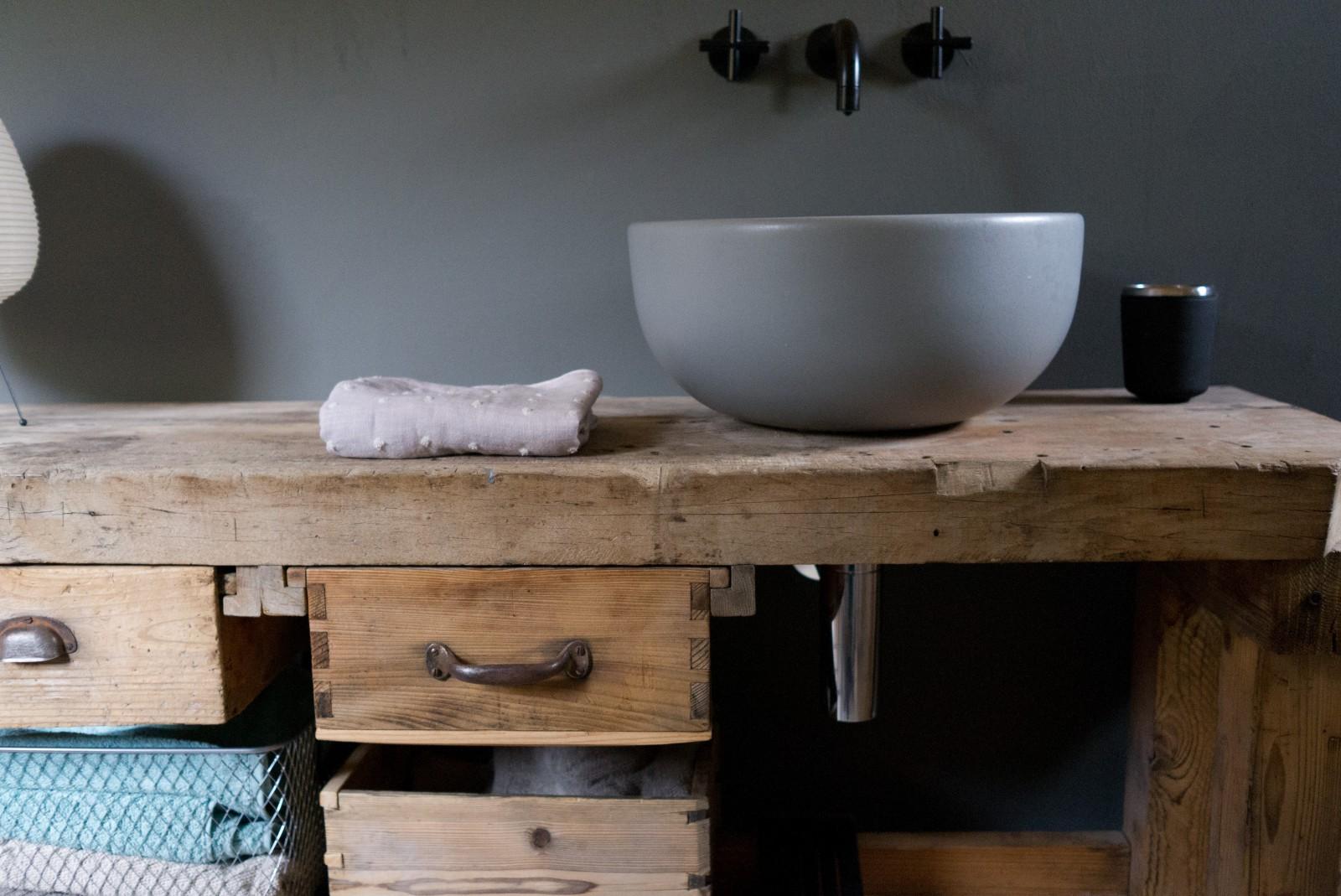 Waschtisch «Fuldera» aus Altholz
