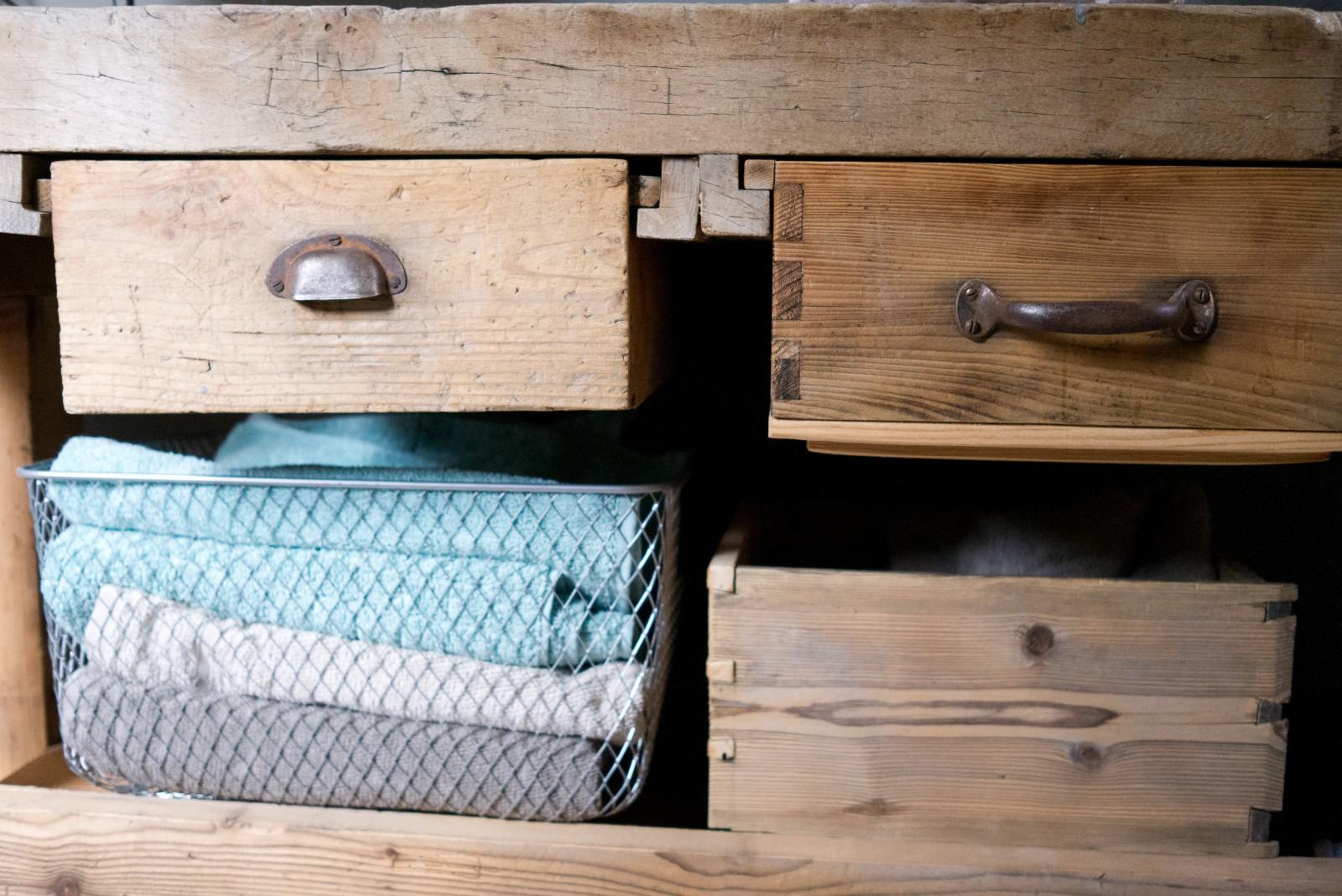 Manum – Möbel aus Altholz – Waschtisch «Fuldera» aus Altholz | {Waschtisch altholz 41}