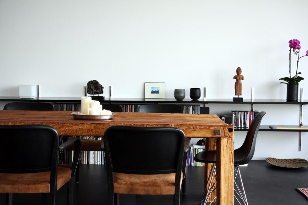 Tisch «Andrea & Ruedi» aus Altholz