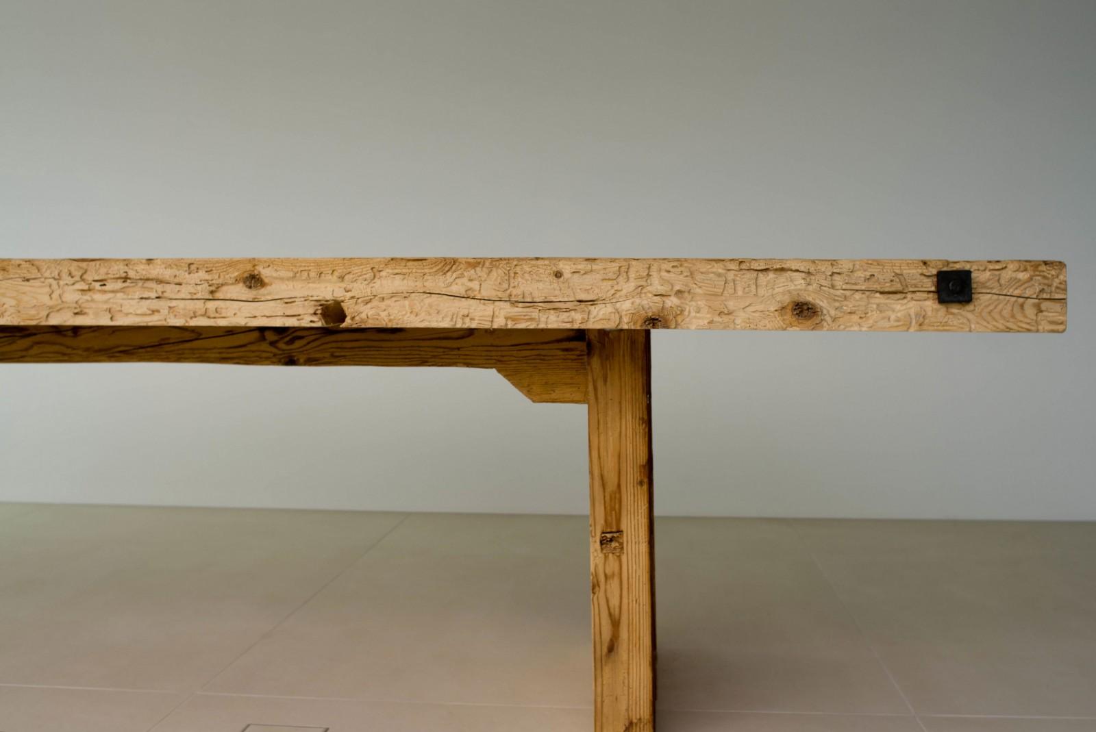 Tisch «Minusio» aus Altholz