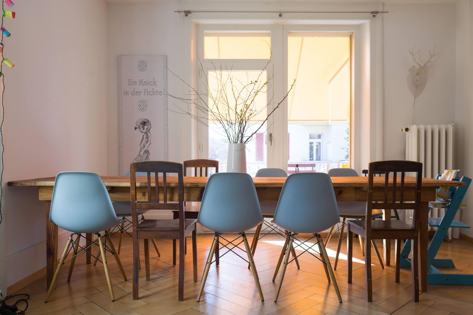 Grosser Tisch aus Altholz