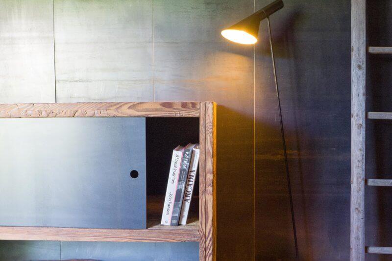 Sideboard Altholz/Stahl