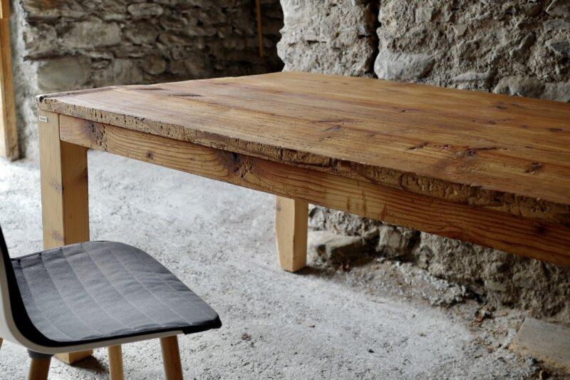 Tisch «Landhaus» aus Altholz